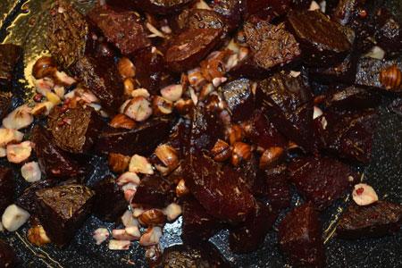 Biet uit de Oven met Hazelnoten Recept van Jonathan Karpathios